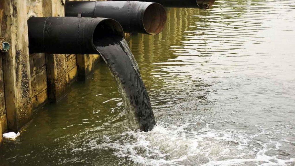 znečistenie vody ropou
