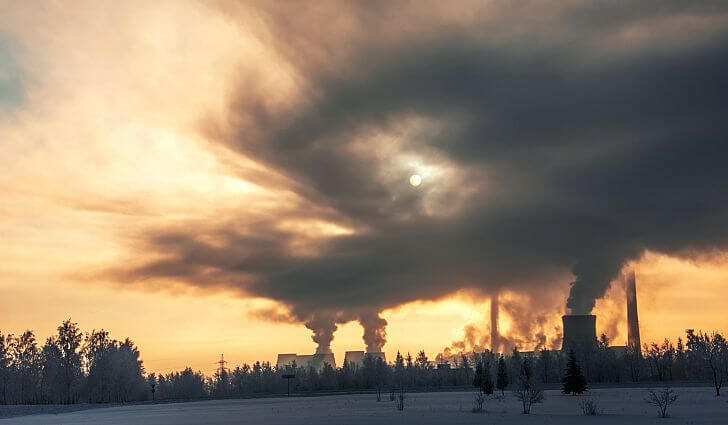 Tepelná elektráreň uvoľnuje znečistenie do ovzdušia